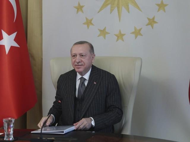 """Erdogan """"dittatore? Draghi indecente e maleducato""""/ """"Rovina rapporti Turchia-Italia"""""""