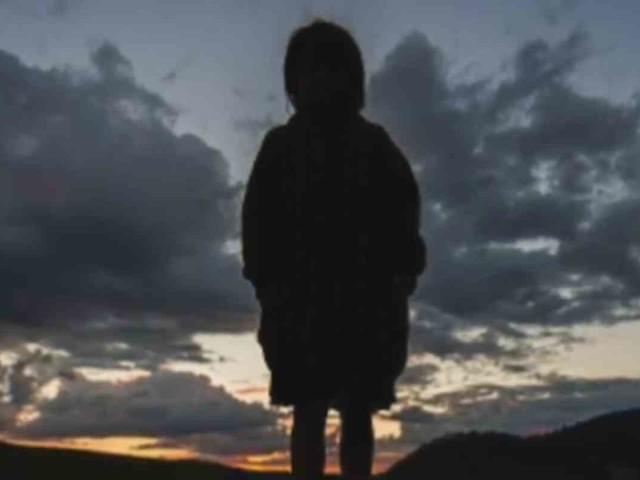 """Bimbo di 8 anni da solo per strada: """"Mamma non mi vuole più"""": clamoroso a Torino"""
