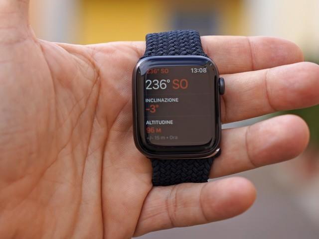 Apple Watch Series 6 in titanio non disponibile ovunque, Series 7 lo manterrà?