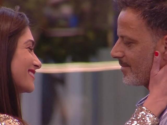 """""""Lui non mi dimostra amore"""", l'ex gieffina siciliana e l'ex di Tina Cipollari si sono lasciati"""