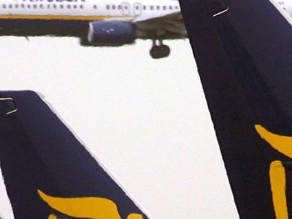 Crepe tra ali e fusoliera Ryanair lascia a terra 3 aerei