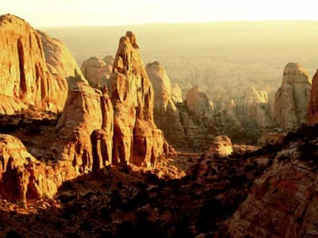 """Ambiente, microplastiche anche sulle montagne rocciose del Colorado. I ricercatori Usa: """"Portate ovunque da pioggia e neve"""""""