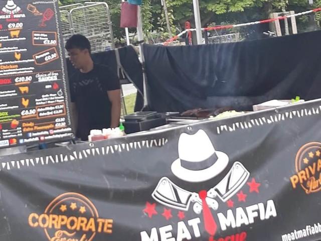 """Cosa nostra usata come brand, a Dublino c'è """"Meat Mafia Barbecue"""" (FOTO)"""