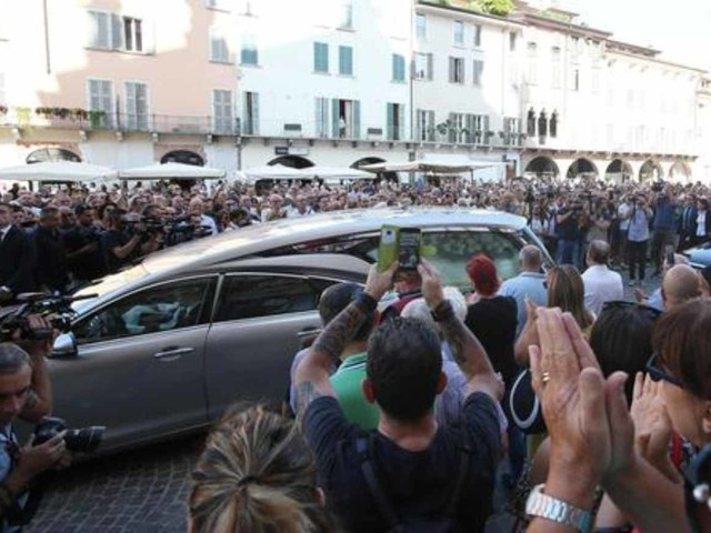 """Funerali Nadia Toffa, Don Patriciello: """"Nadia era come Gesù, dalla parte dei deboli"""""""