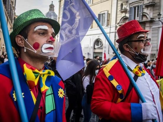 I lavoratori dello spettacolo invadono le piazze d'Italia