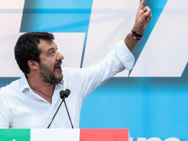 Come si schierano i 'politici-tifosi' sulla ripresa del campionato di Serie A