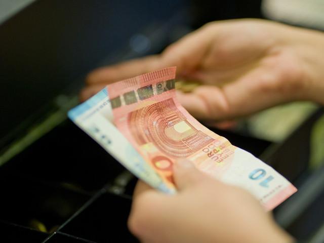 Il Covid pesa sui redditi degli italiani con il peggior crollo da 20 anni