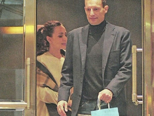 Ambra Allegri, shopping in gioielleria: matrimonio in vista?