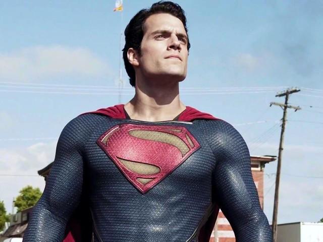 La verità su Superman: il futuro di Henry Cavill come l'uomo d'acciaio