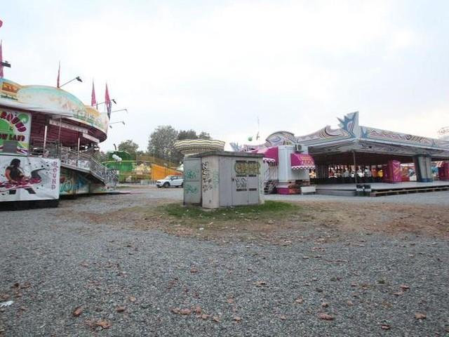 Il Luna Park chiuso a metà, i giostrai bloccano il traffico