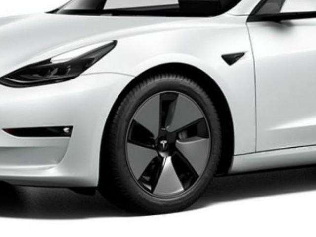 Tesla Model 3, l'auto elettrica più venduta al mondo