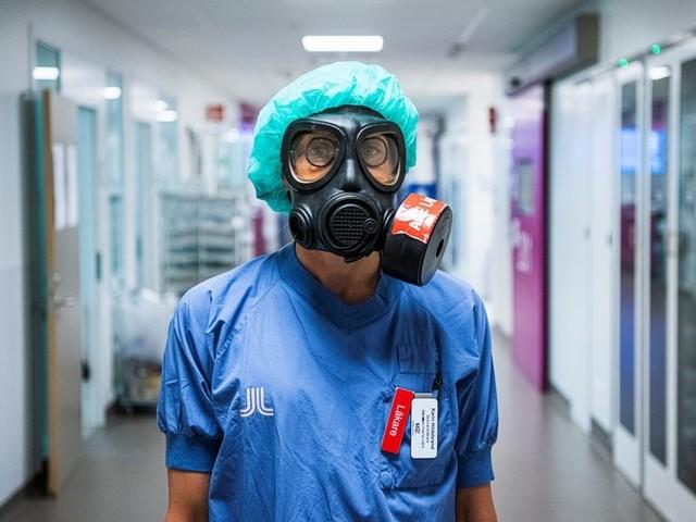 Covid: in lieve calo i nuovi casi, si allenta la pressione sugli ospedali