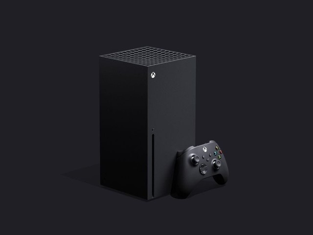 La nuova Xbox Series X a confronto con PS4 e Xbox One: le dimensioni della console next-gen in video
