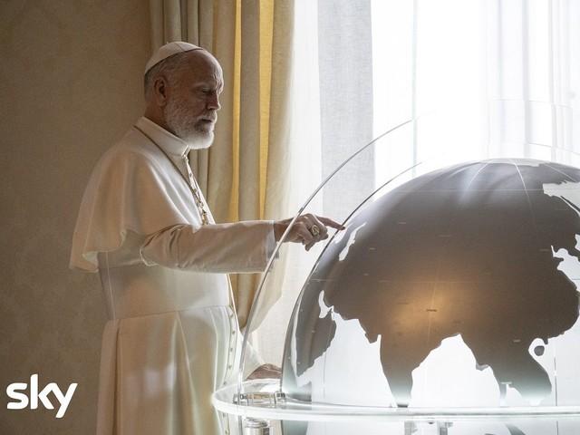 Replica di The New Pope su Sky Atlantic, come rivedere i primi episodi in tv e streaming