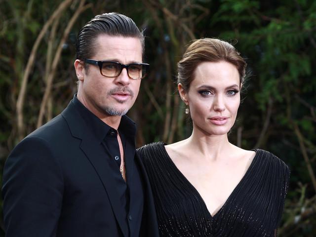 Angelina Jolie fa dietrofront sul divorzio? L'attrice è intenzionata a tornare con Brad Pitt, ma forse è troppo tardi