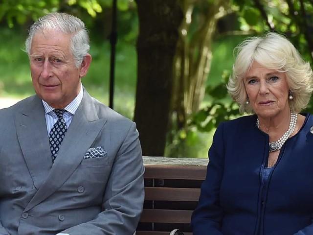 """Carlo e Camilla, dopo anni spunta il retroscena: """"Crisi di nervi"""" a pochi giorni dal matrimonio"""