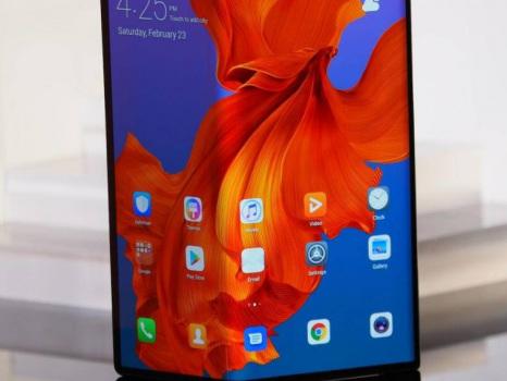 Ancora una falsa partenza per il Huawei Mate X: pieghevole rimandato?
