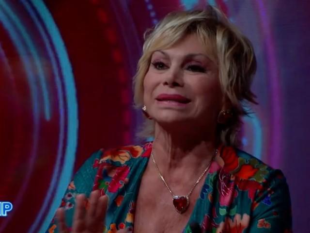 """GF Vip 6, Carmen Russo furiosa con Katia Ricciarelli: """"Me ne vado"""". Ma l'apice della lite arriva nella notte"""