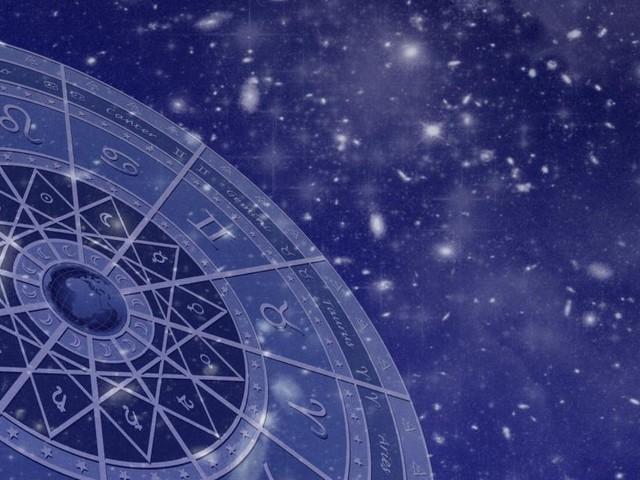 L'oroscopo di domenica 10 maggio: Sole in sestile al Cancro, Sagittario premuroso