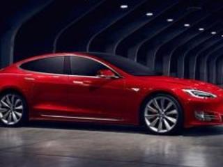 Batteria Tesla: farla inquina come un'auto a benzina in 8 anni