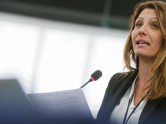 """La europarlamentare M5S: """"Basta, lascio i 5 Stelle. Casaleggio controlla tutto, ci chiedono le password dei social, entrano nelle nostre vite. Non è questo il Movimento in cui ho creduto"""""""