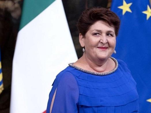 Da Noi… A Ruota Libera: Francesca Fialdini debutta con il ministro Teresa Bellanova