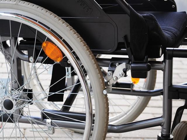 Insegnante di sostegno denuncia, licenziato perchè disabile