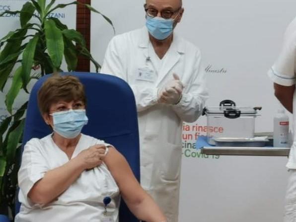 Chi è Maria Rosaria Capobianchi: la prima a essere vaccinata in Italia contro il coronavirus