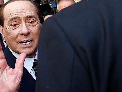 """Berlusconi, frase rubata alla riunione di Forza Italia: """"Se proprio ve ne andate, non con Meloni e Salvini"""""""