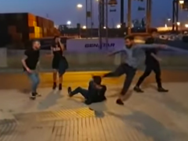 Scoppia la rissa selvaggia nelle strade della movida: arrestati 4 studenti italiani