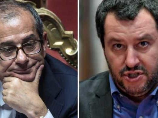 Salvini dice che Tria è uno dei motivi della caduta del governo (ma lo aveva scelto lui)