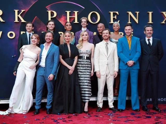Jennifer Lawrence lontana dall'ex, Jessica Chastain con il gesso: la prima mondiale di «X-Men: Dark Phoenix» a Los Angeles