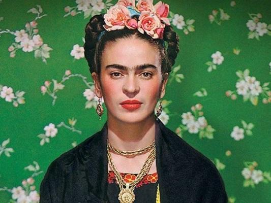 Frida. Viva la vida, la recensione: l'arte partorita dal dolore