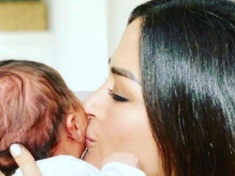 Giorgia Palmas e Filippo Magnini festeggiano il primo mese della figlia Mia: la dedica
