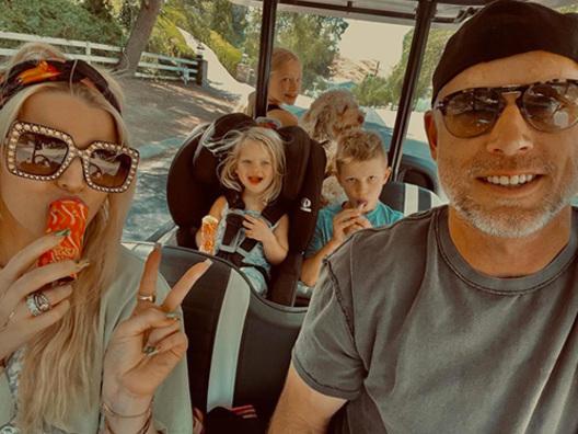Jessica Simpson, giornata felice insieme alla famiglia