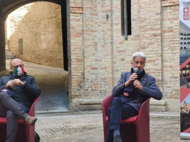Macerata si trasforma nel 'Museo dell'auto più bello al mondo': la Mille Miglia sbarca nel capoluogo
