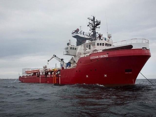 Nave con 422 migranti, arriverà stasera ad Augusta la Ocean Viking
