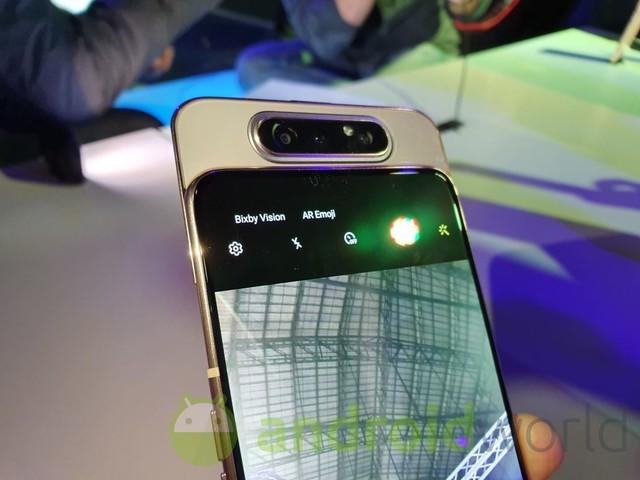 Da ora potete acquistare a rate con Vodafone anche Samsung Galaxy A80 e le sue fotocamere rotanti
