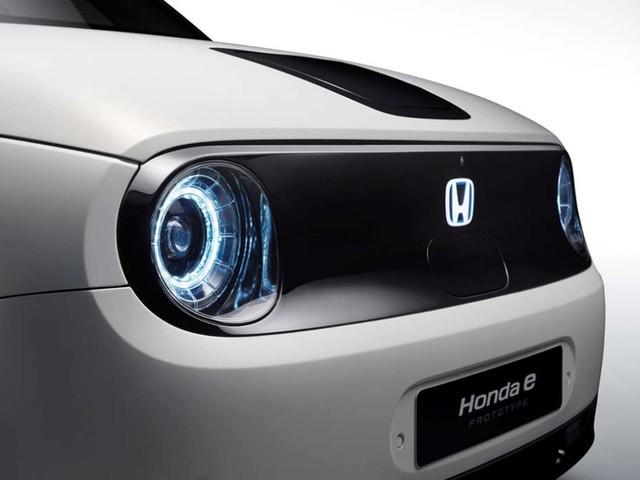 Honda e, in arrivo la prima city car elettrica della Casa