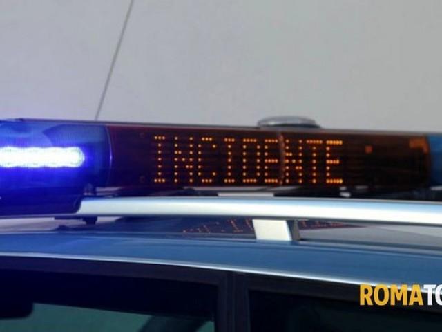 Incidente sul Raccordo: coinvolti pullman e 4 auto, chiusa complanare di via Aurelia