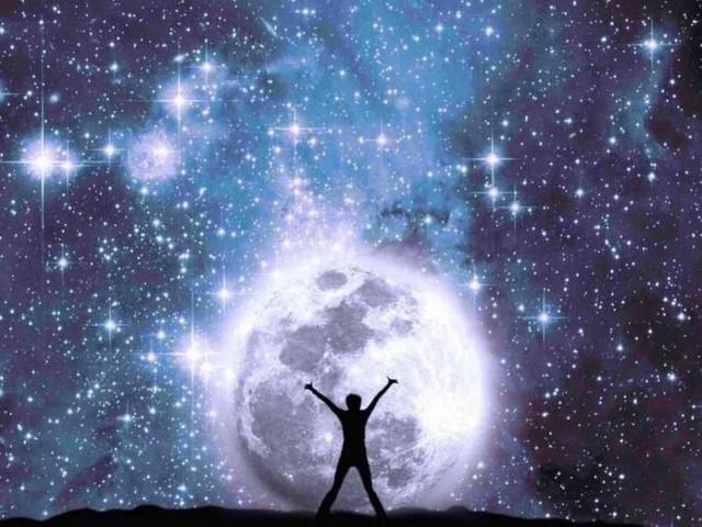 L'oroscopo del giorno 8 ottobre e classifica: nuovi progetti per Pesci, Toro in bilico