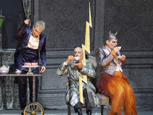 """ORPHÉE AUX ENFERS/ Il Festival di Salisburgo """"sbaglia strada"""" e porta Orfeo nel Limbo"""