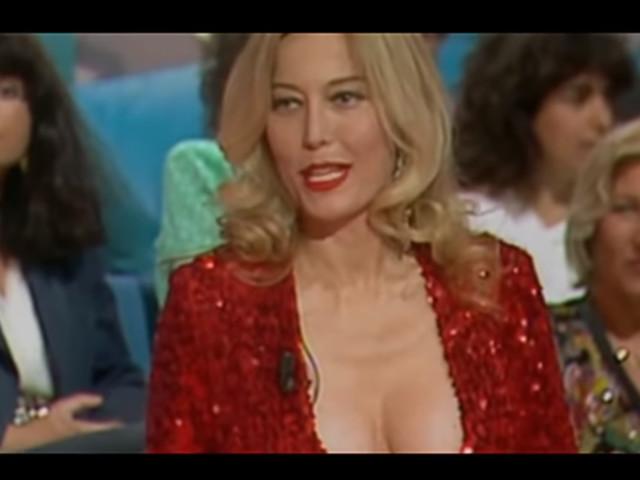"""Stasera in tv su Iris il film """"Amami"""" con Moana Pozzi"""