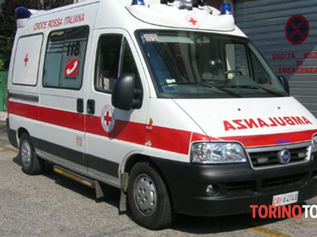 Investito da un'auto lungo la statale: studente in ospedale