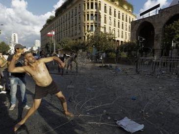 Beirut: inflazione, blocco dei conti, truffe. «Lo Stato ci ha ridotti tutti in miseria»