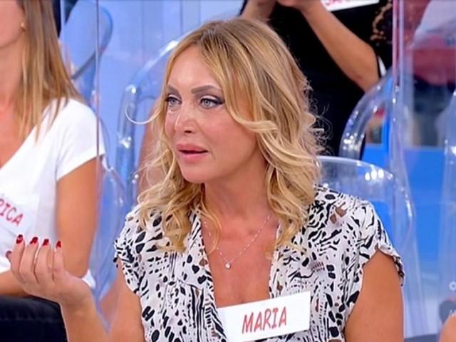 """""""Carne da macello"""". Maria Tona fuori da UeD: solo ora i motivi dell'addio. La ex dama vomita tutto"""