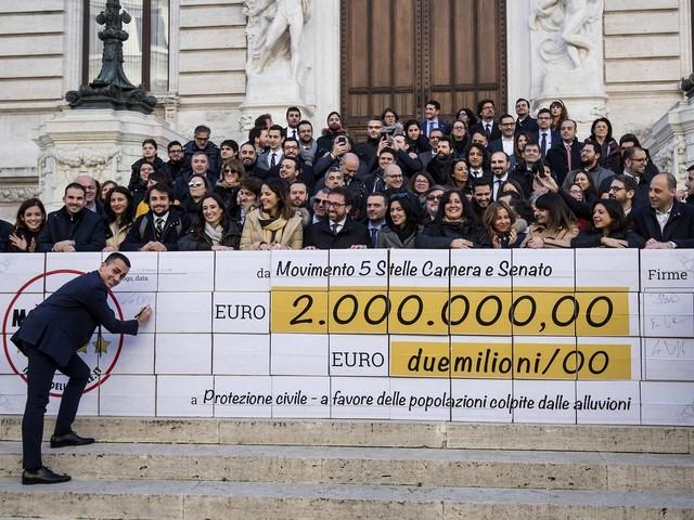 """M5s, col taglio degli stipendi """"restituiti"""" 105 milioni: """"Ecco come sono stati impiegati"""""""