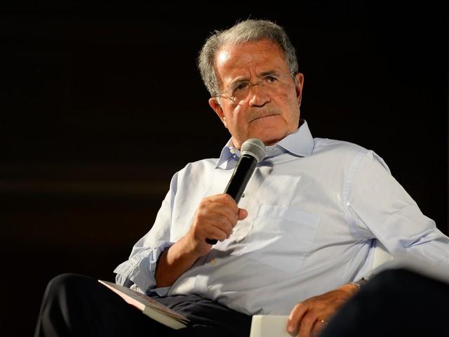 """Bibbiano, Prodi attacca i media: """"Demonizzazione folle di un paese"""""""