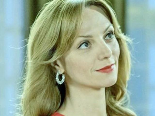 Tempesta d'amore anticipazioni 2-8 agosto: Ariane bacia Max, Vanessa sta male