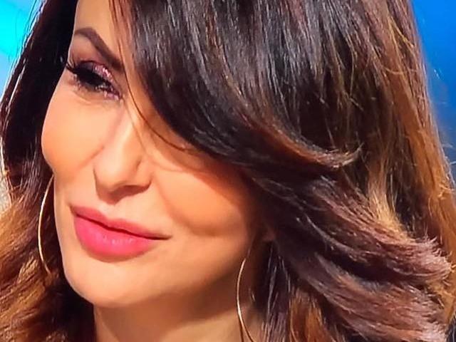 Sabrina Ferilli denuncia uno stalker: «Me lo trovo davanti in continuazione»